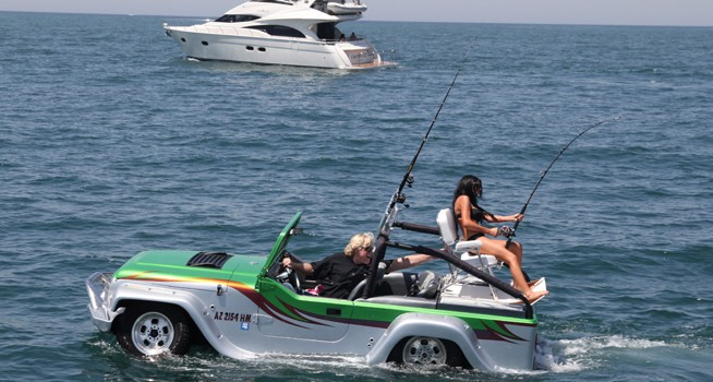 The-Panther-–-Runs-on-Streets-and-Water-Alike8-654x350