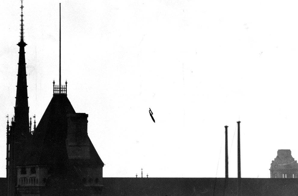 "A V-1 flying bomb ""buzzbomb"" plunging toward central London, 1945 - Imgur"