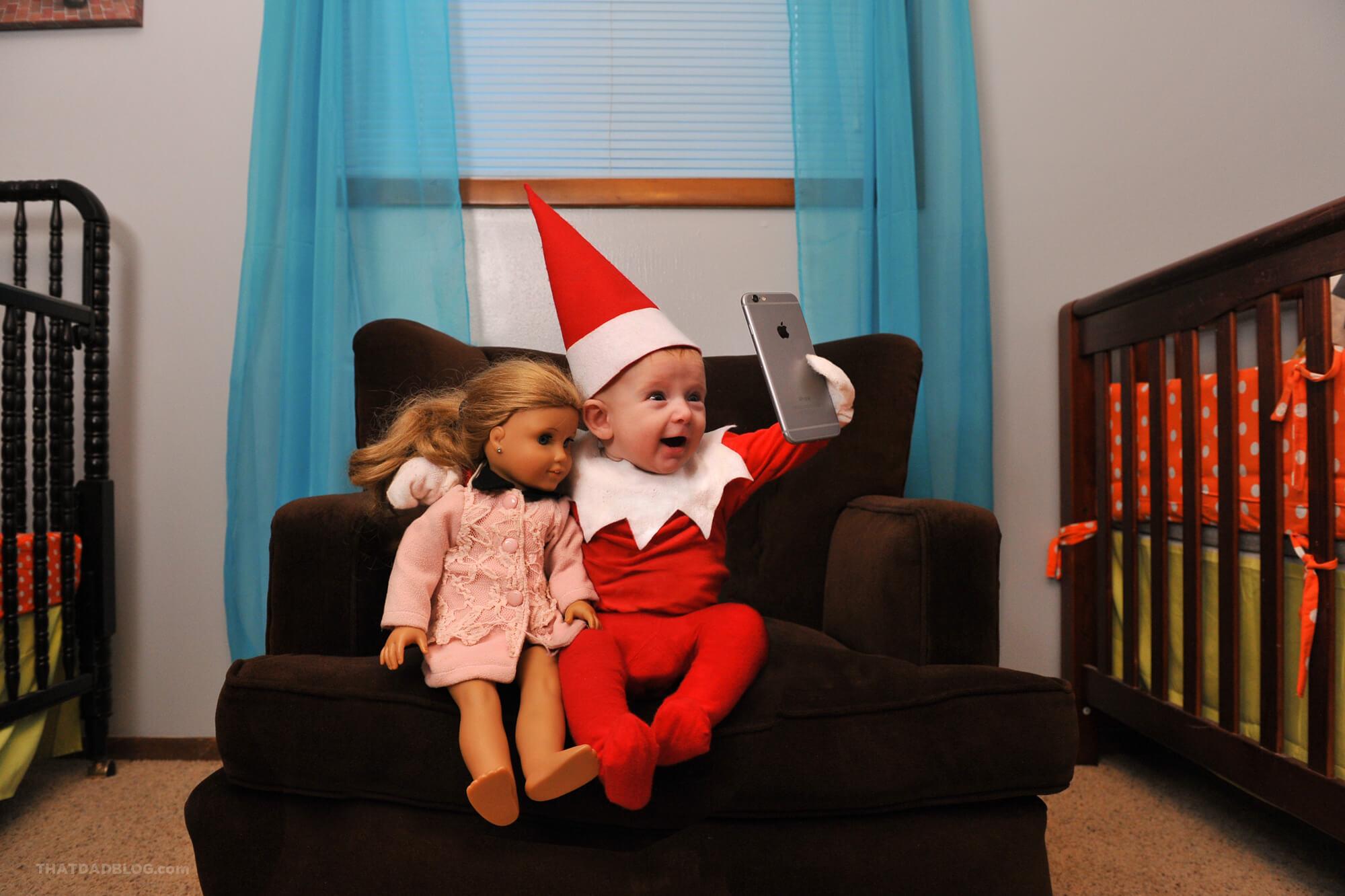Elf-on-the-shelf-selfie-2