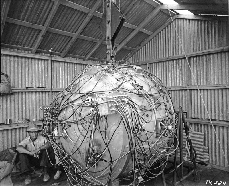 Gadget, the first atomic bomb - Imgur