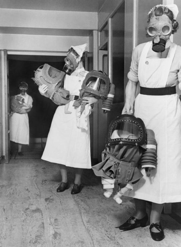 Gas masks for babies tested at an English hospital, 1940 - Imgur