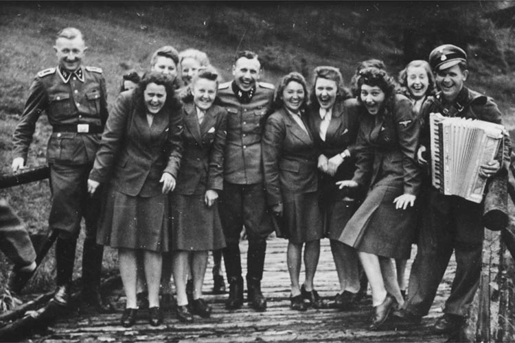 Laughing at Auschwitz – SS auxiliaries poses at a resort for Auschwitz personnel, 1942 - Imgur