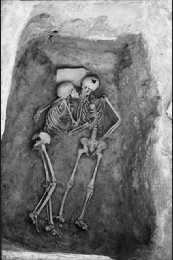 The 2800 year old kiss - Imgur