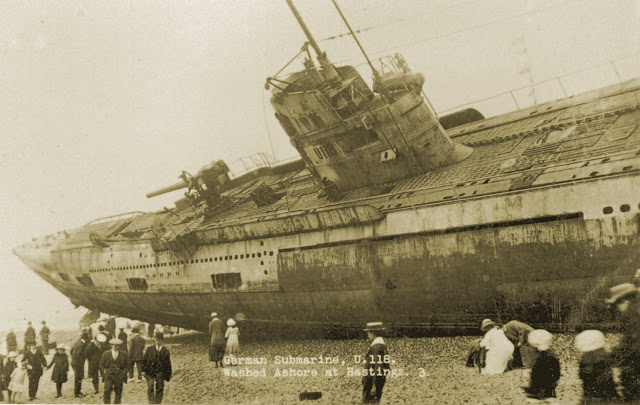 U-118, a World War One submarine washed ashore on the beach at Hastings, Sussex, England - Imgur