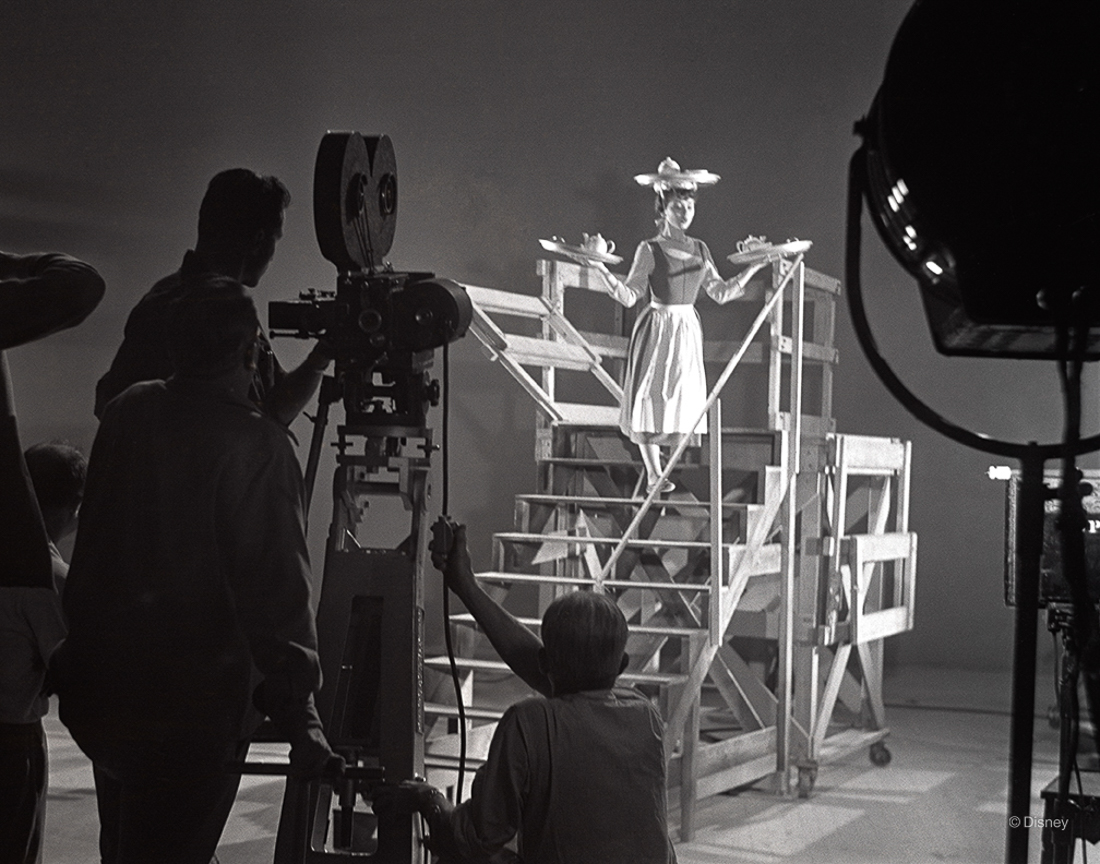 Rok 1948- Scena z filmu Kopciuszek z aktorką Helene Stanley w roli głównej.