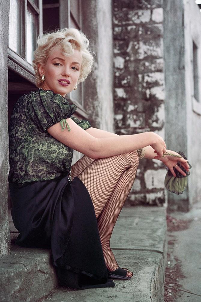 MILTON H GREENE/The Hooker Sitting, LA, 1956