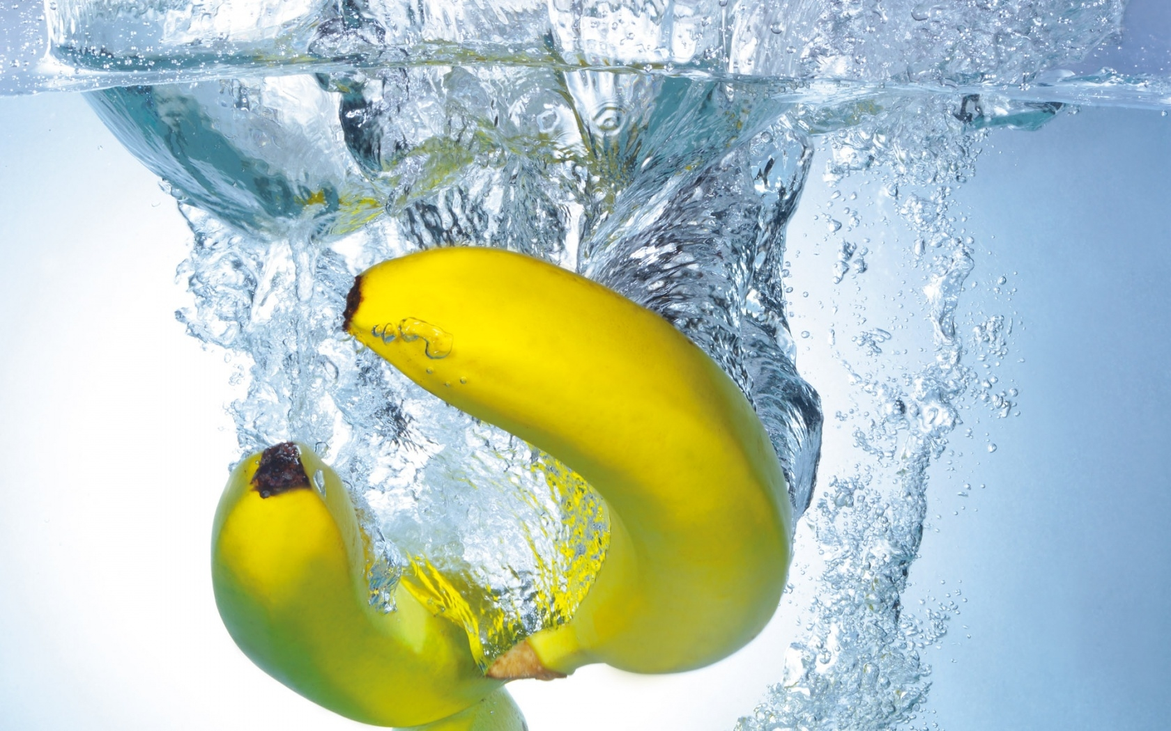 bananas_water_bubbles_immersion_hd-wallpaper-43601