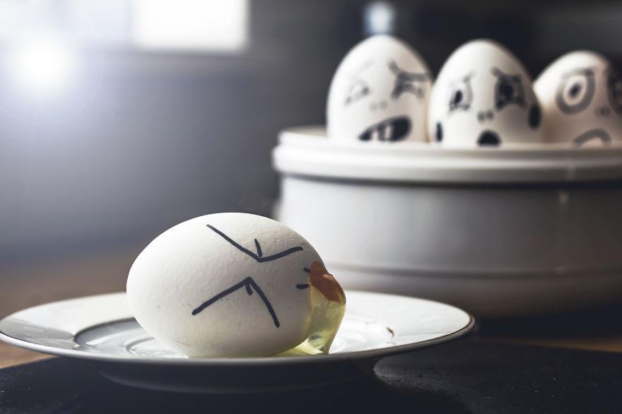 i-transform-simple-eggs-into-funny-photos-7__880