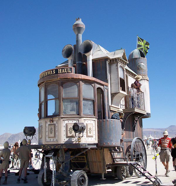 weird-unusual-cars-house