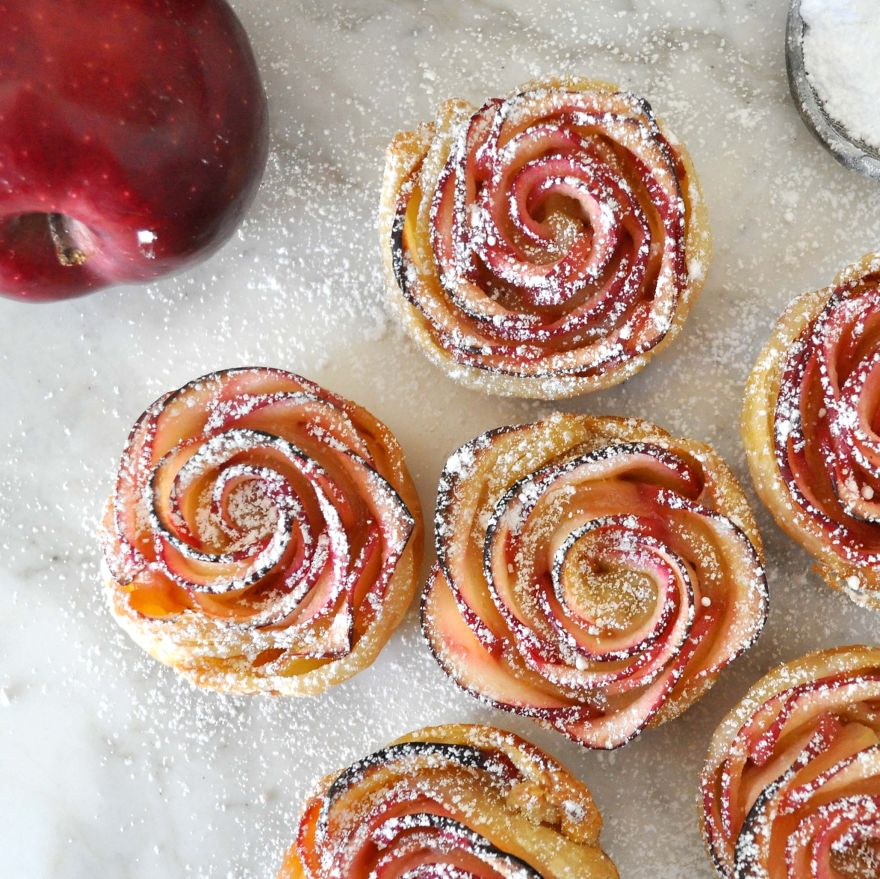 Beautiful-Rose-Shaped-Dessert-Made-With-Delicious-Apple-Slices-Wrapped-In-Crispy-Puff-Pastry__880