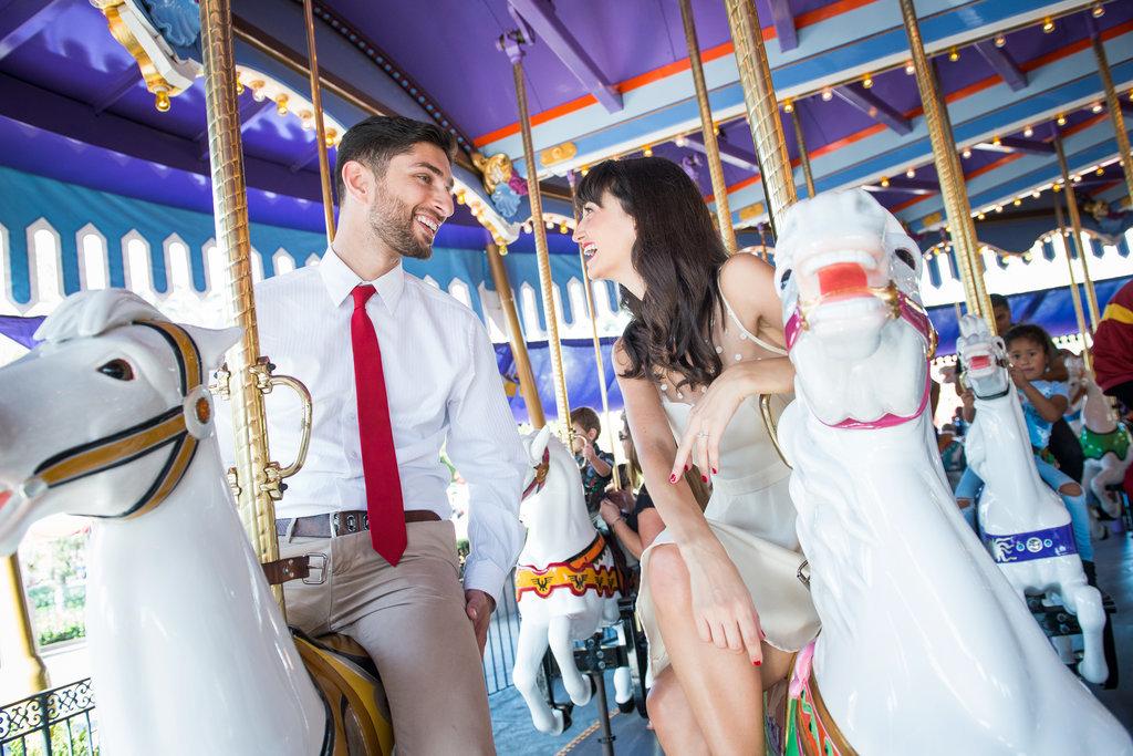 Disneyland-Engagement-Pictures (10)