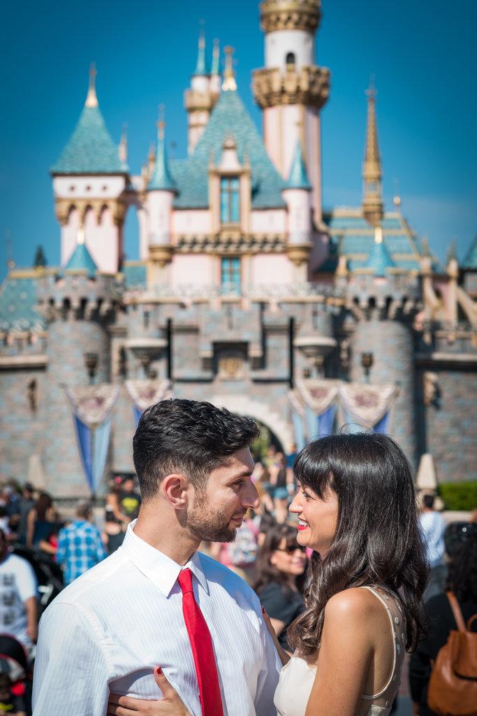 Disneyland-Engagement-Pictures (13)