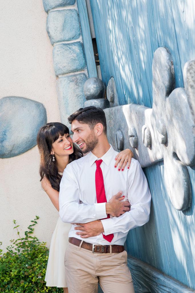 Disneyland-Engagement-Pictures (22)