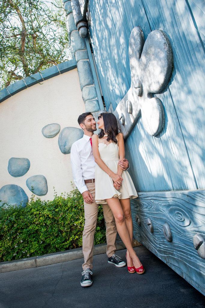 Disneyland-Engagement-Pictures (25)