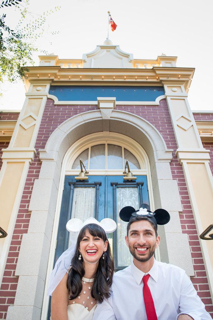 Disneyland-Engagement-Pictures (28)