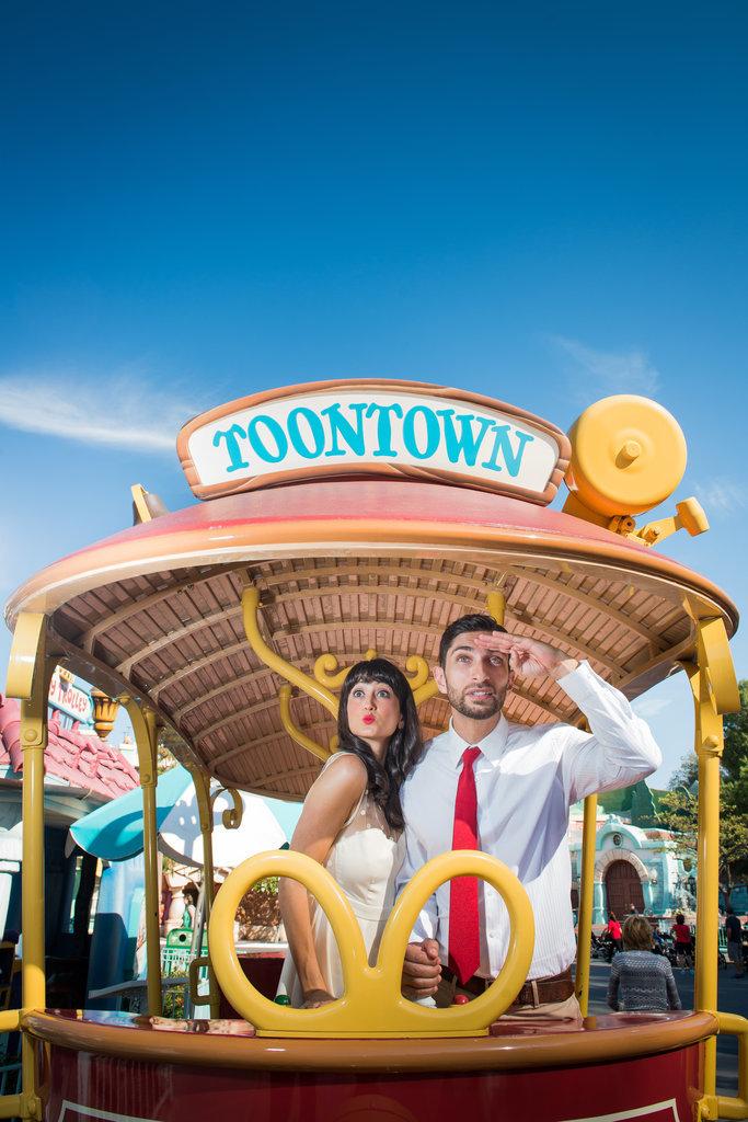 Disneyland-Engagement-Pictures (31)