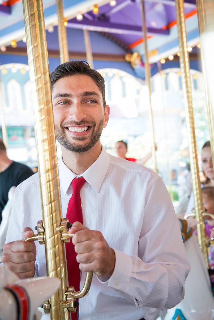 Disneyland-Engagement-Pictures (7)