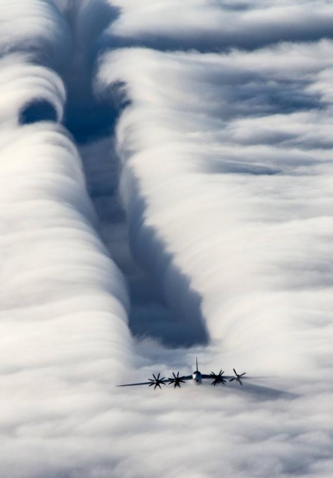 Slipstream of the strategic bomber Tu-95MS.