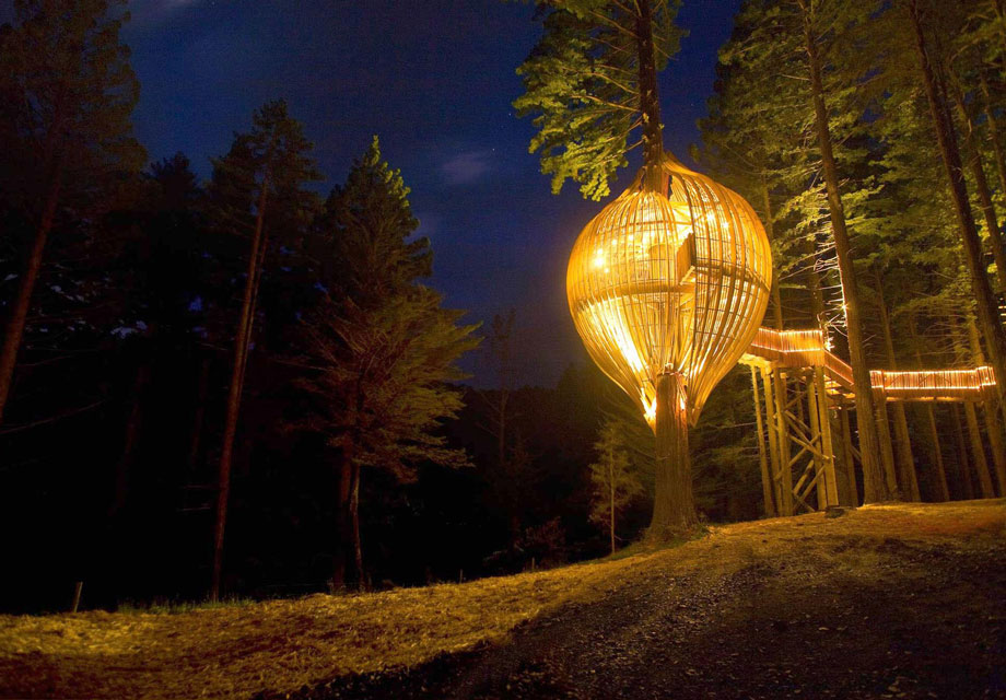 THE REDWOODS TREEHOUSE RESTAURANT