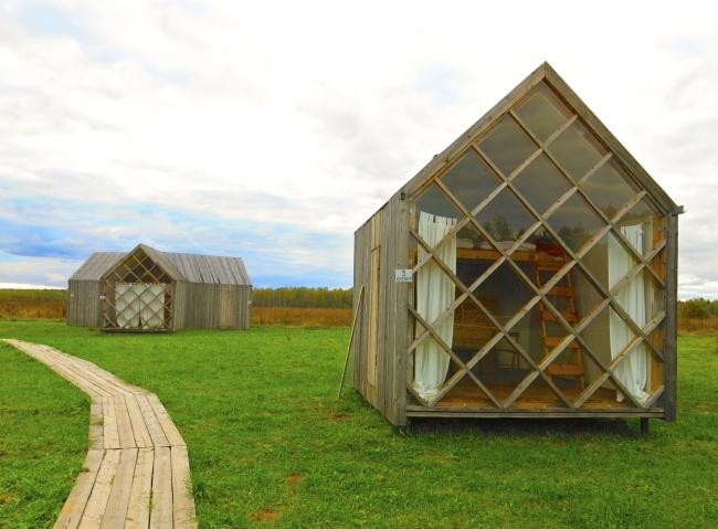 Temporary houses. Nikola-Lenivets, Russia.