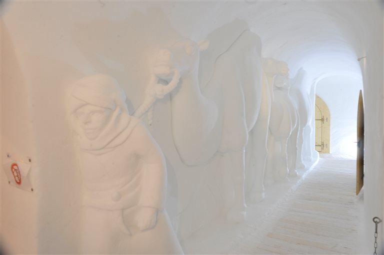 The fancy igloo with corridors – Iglu-Dorf, Switzerland