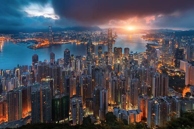 hong-kong-at-night-from-above-7