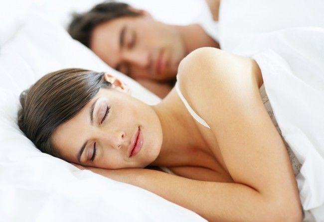 kobiety potrzebują więcej snu