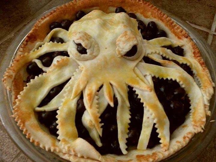 An imposing and sinister Cthulhu pie.