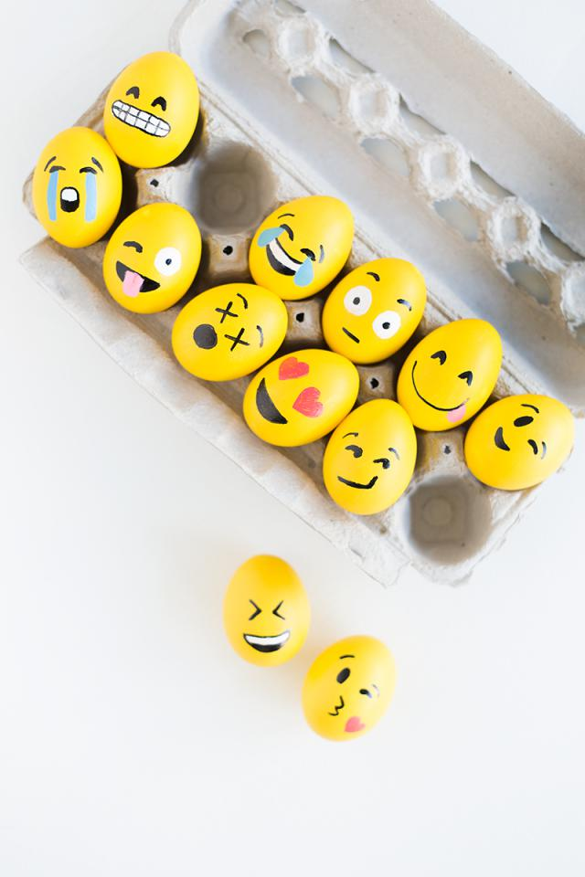 DIY-Emoji-Easter-Eggs4