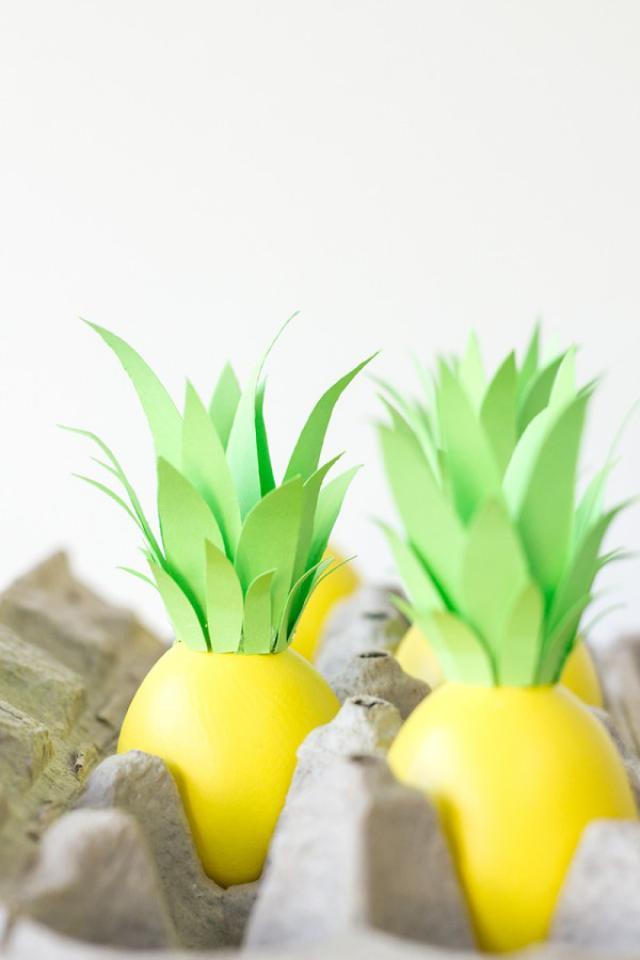 DIY-Pineapple-Easter-Eggs4-600x900