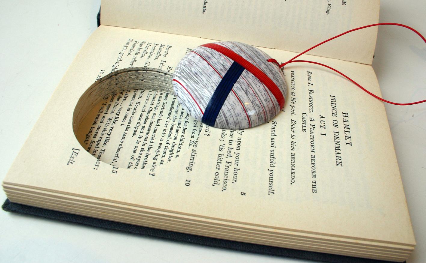 biżuteria z książek
