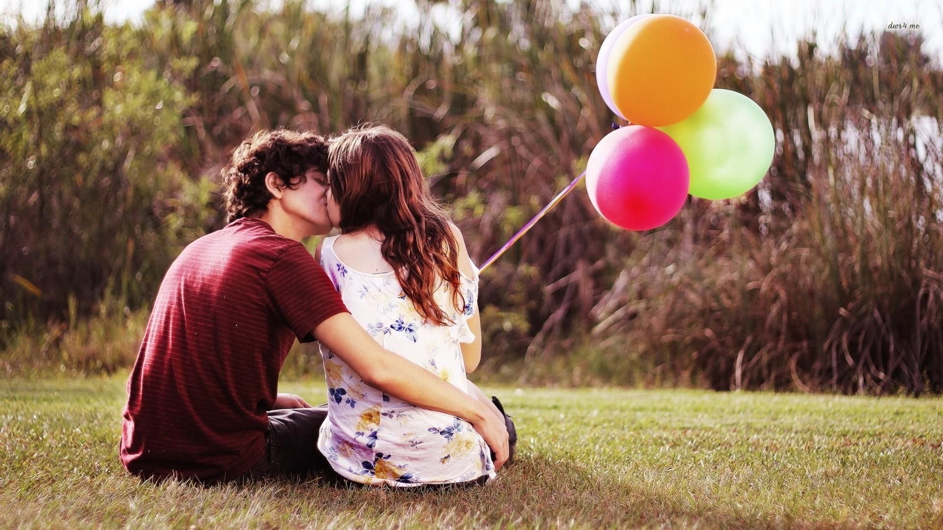 kto pierwszy mówi kocham cię