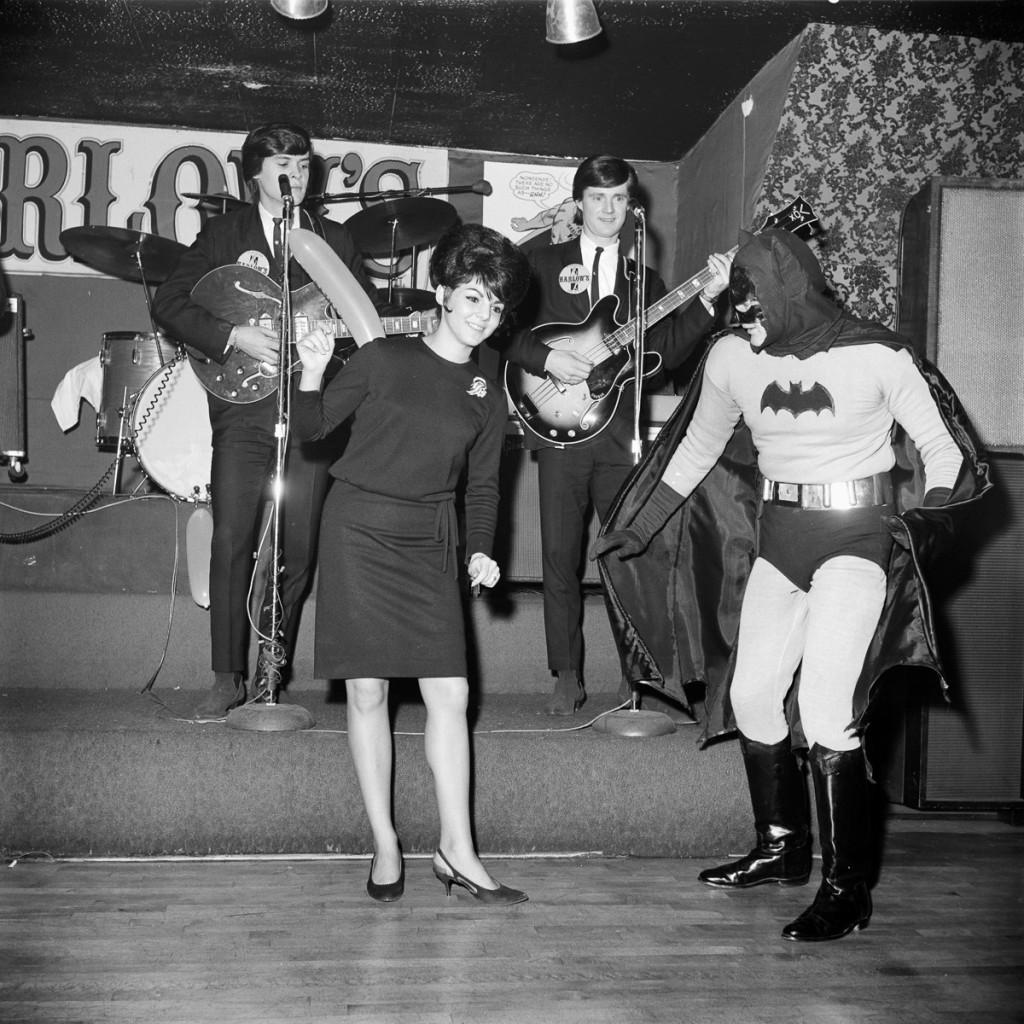 """BATMAN - """"Batman Premier Party"""" - Shoot date January 12, 1966. (Photo by ABC Photo Archives/ABC via Getty Images) UNKNOWN ACTORS"""