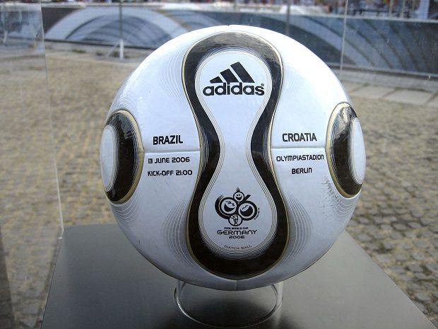 Teamgeist_Ball_World_Cup_2006_Brazil_vs._Croatia