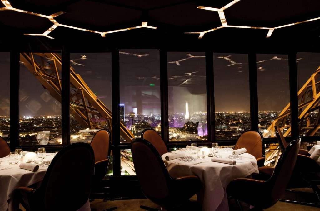 Jules Verne - 10 restauracji z najwspanialszym widokiem w Paryżu