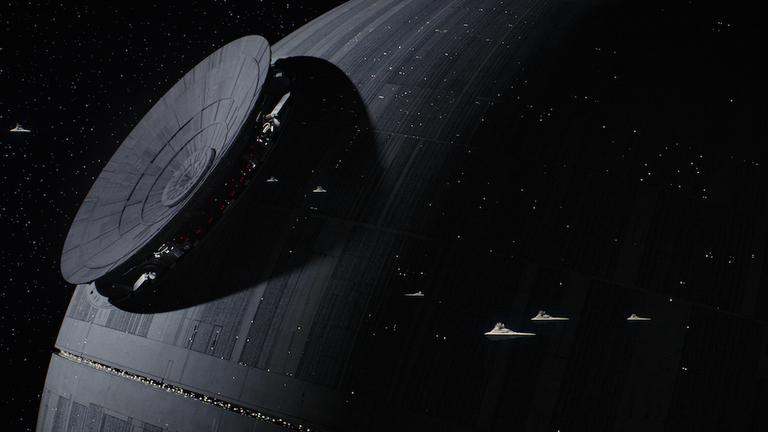 Najnowsze Gwiezdne Wojny krecone ponownie