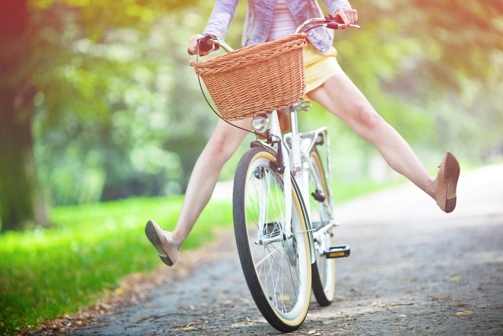 Rower miejski często wyposażony jest w koszyk