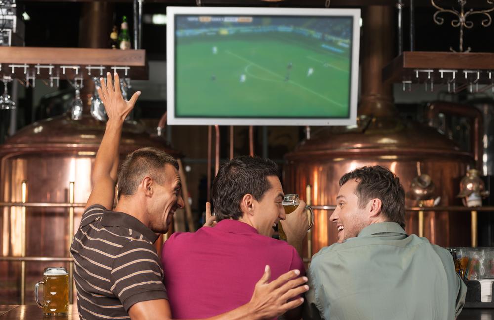 Oglądanie meczu w Pubie