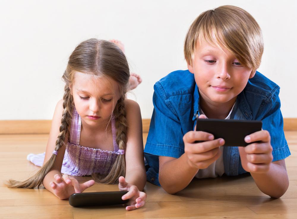 smartfon dla dziecka to przede wszystkim komunikacja z dzieckiem