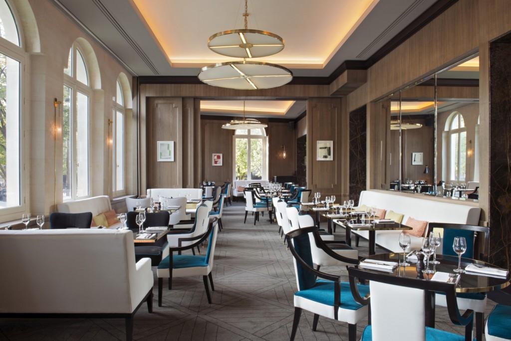 Victoria 1836 - 10 restauracji, z najwspanialszym widokiem w Paryżu
