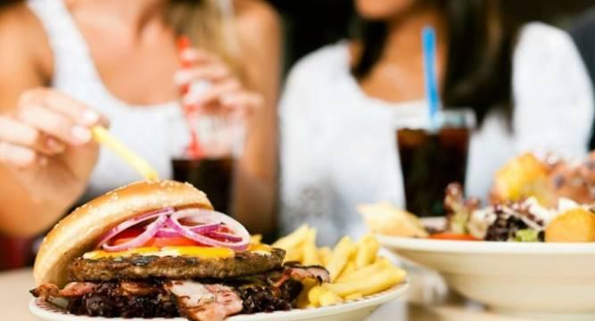 najgorsze skutki spożywania fast foodów