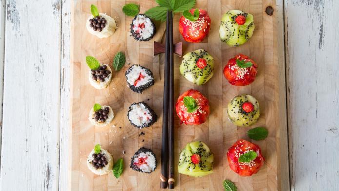 przepis na owocowe sushi