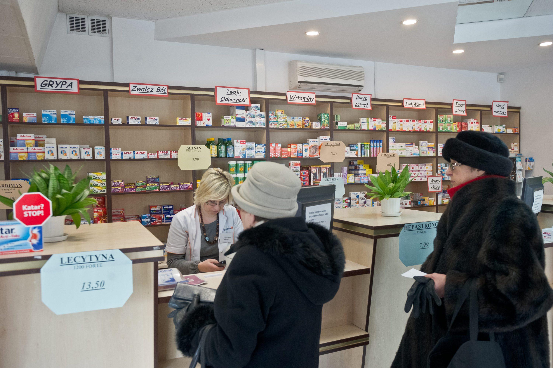 Od czwartku nowa lista leków refundowanych, a wraz z nią wykaz leków dla seniorów