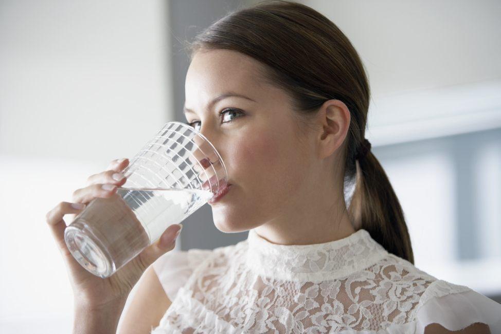 korzyści picia ciepłej wody