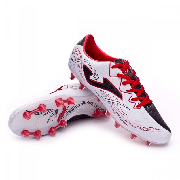 najlepsze obuwie do gry w piłkę
