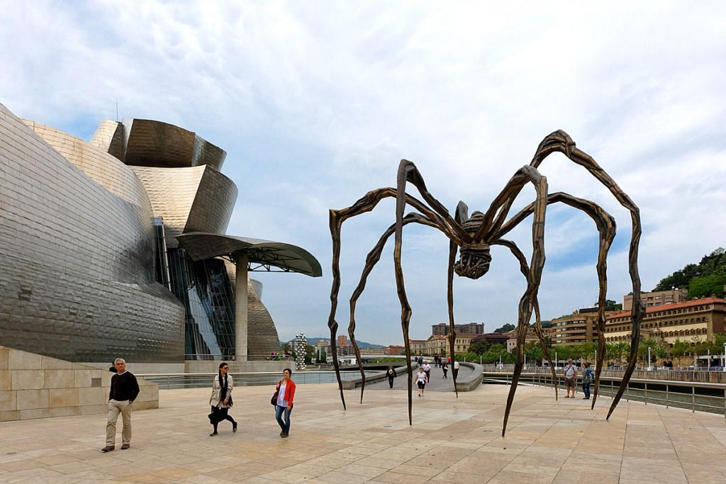 najbardziej olbrzymie rzeźby na świecie