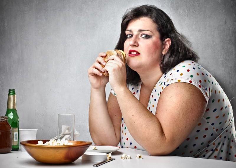 otyłość uszkadza mózg