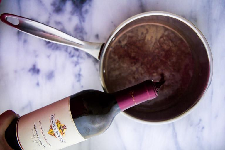 przepis na gorącą czekoladę z dodatkiem czerwonego wina