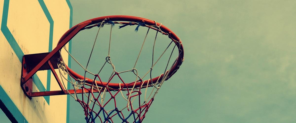 filmy z koszykówką w tle