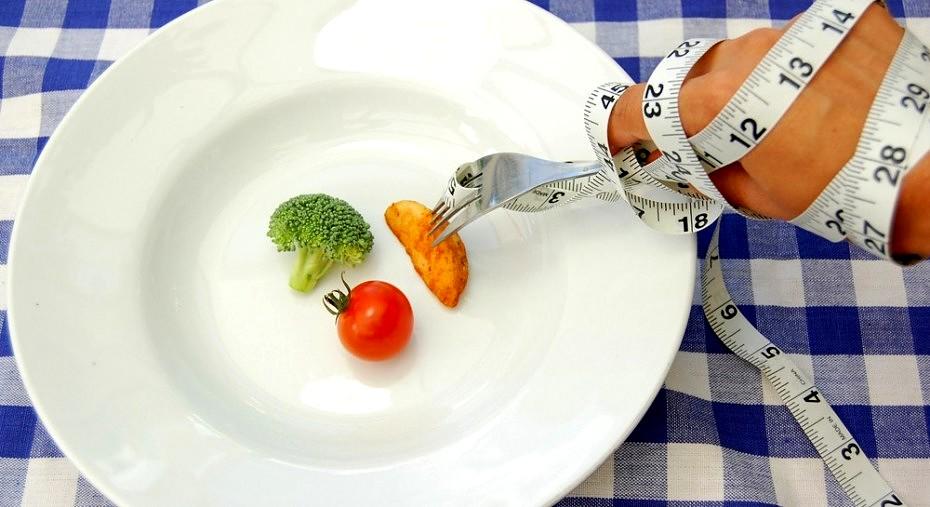 sprytne triki, by jeść mniej